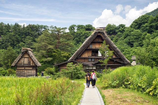 世界遺産 白川郷合掌集落と小京都・飛騨高山<br>(4月~6月出発)